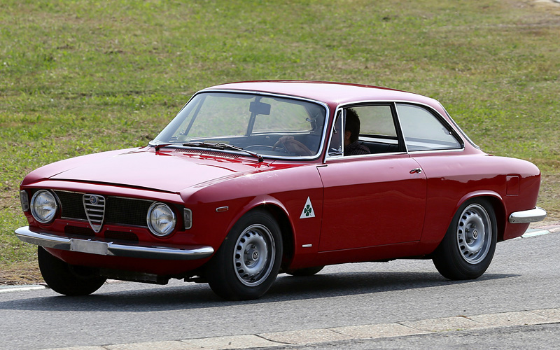 1965 Alfa Romeo Giulia Sprint 1600 GTA - specifications, photo, price ...