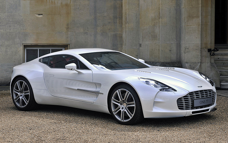 Charmant 2009 Aston Martin One 77