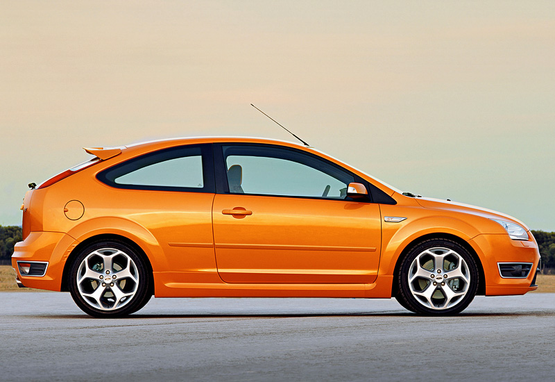 2005 ford focus st specifications photo price information rating. Black Bedroom Furniture Sets. Home Design Ideas