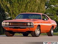 1970 Dodge Challenger R/T 440 Six Pack = 210 kph, 390 bhp, 6.2 sec.