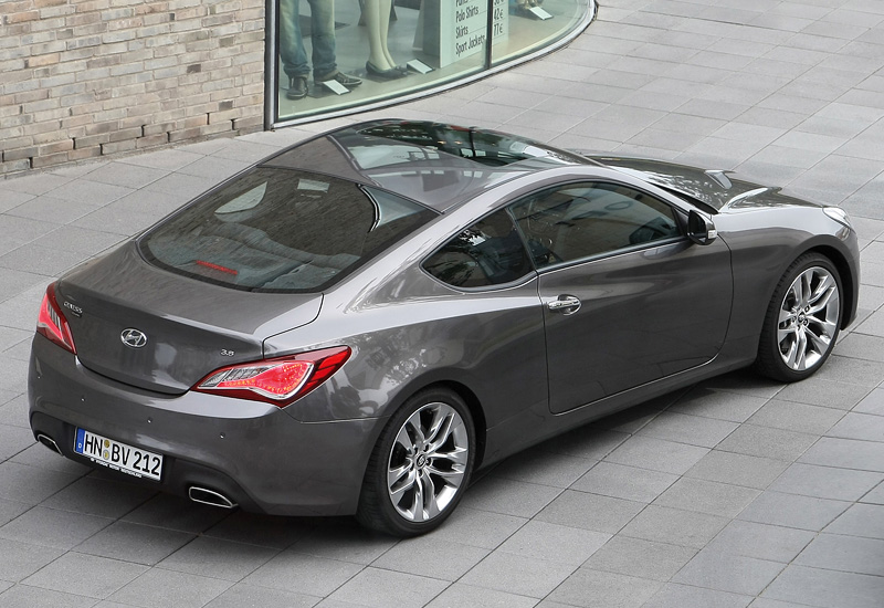2012 hyundai genesis coupe 3 8 v6 specifications photo price information rating. Black Bedroom Furniture Sets. Home Design Ideas