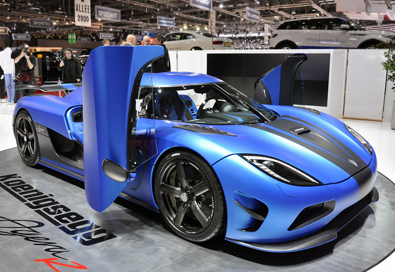 gallery images and information koenigsegg agera r price. Black Bedroom Furniture Sets. Home Design Ideas