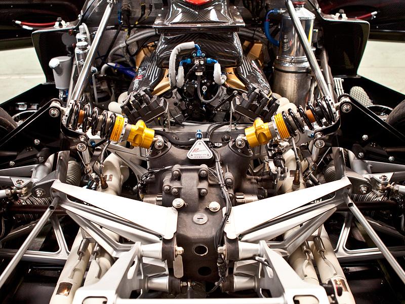 Aston martin vulcan 060 mph