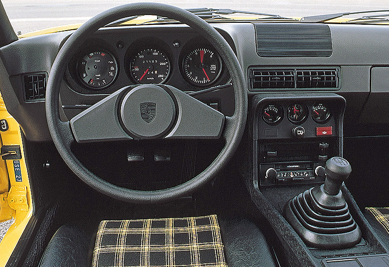 1976 porsche 924 coupe specifications photo price for Porsche 924 interieur