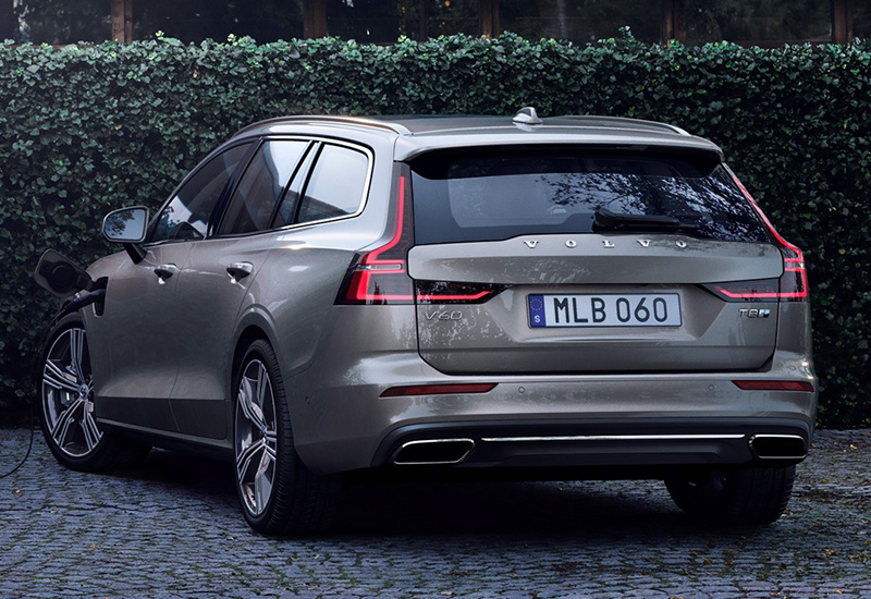 2019 Volvo V60 T8 - specifications, photo, price, information, rating