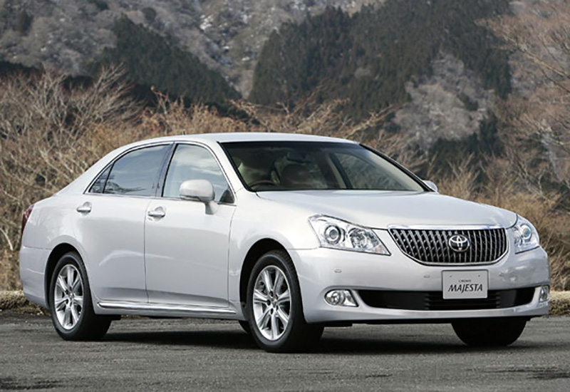 2009 Toyota Crown Majesta - price and specifications
